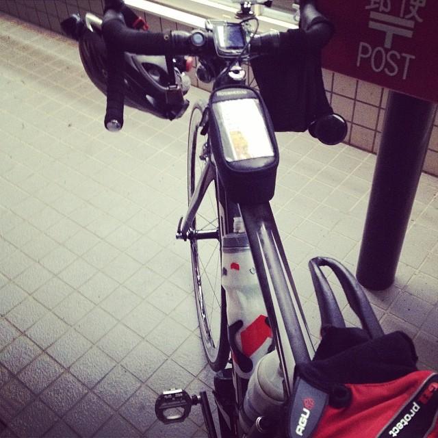 長かった夜間峠が終わり東郷のコンビニ。目の前でDNF1名出ました。暫く後続を待ちましたが来る気配無し。夜間山奥で大丈夫だろうか? #audax #brm #ロードバイク