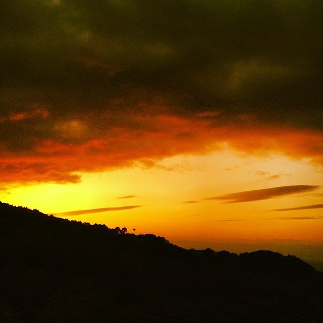 分厚い雲だ #イマソラ #空 #雲 #like