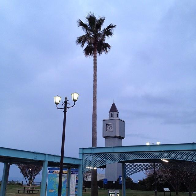 夜が明けた。雨はまだ降ってない。 #イマソラ #空 #雲 #like